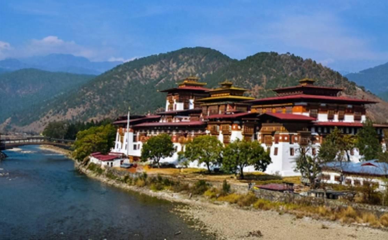 不丹国王出访他国,必须得到印度批准,印度为什么