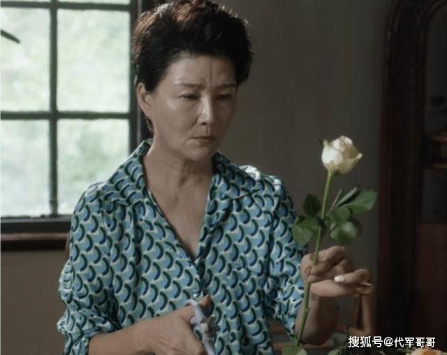《小舍得》中的老戏骨,离婚后与女儿相依为命,如今63岁演技获赞