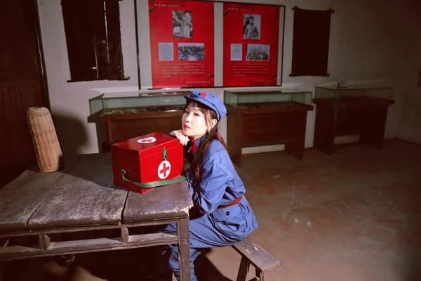 建党百年,追寻红色的记忆,我成为了一名军医;