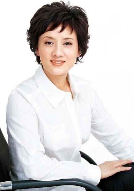 鸿图2注册邓婕前夫离婚后身价上亿?她小三上位遭张国立原配要求不许生子?60岁才当母亲 (图17)