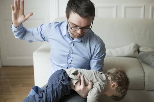 国际不打小孩日丨情绪失控的父母 影响孩子一生-家庭网