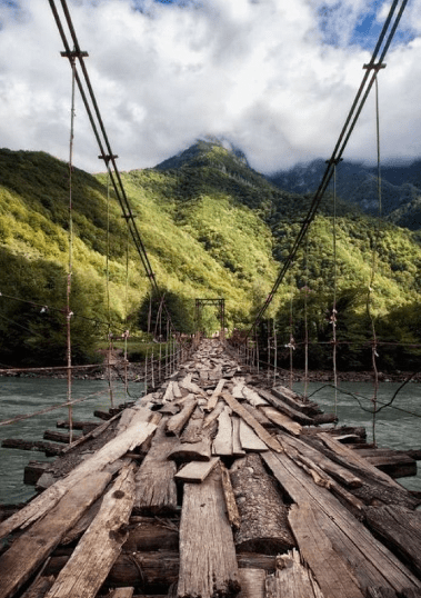 心理测试:你会选择走向哪个独木桥?测你这辈子能活多少岁?  第4张