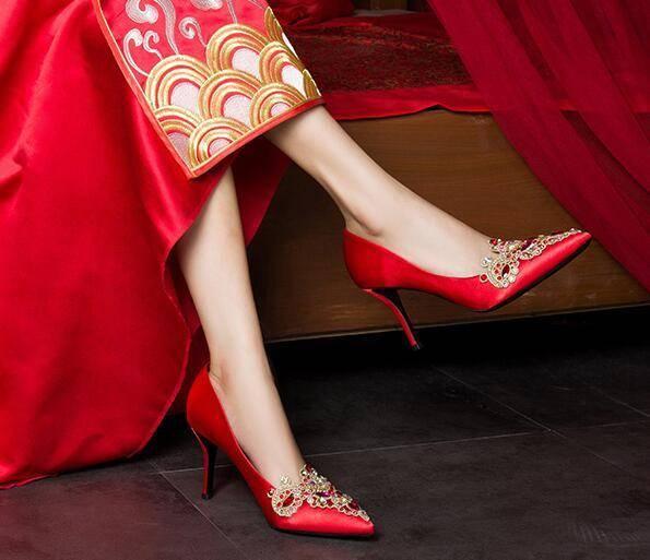 心理测试:选一双喜欢的婚鞋,测你爱的人对你是真心的吗?