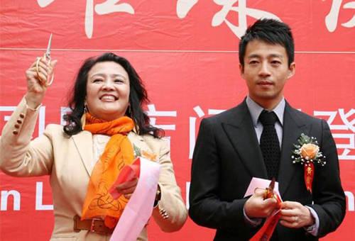 俏江南从光泽到孤独只用了15年徒手发迹的张兰错正在哪儿了?