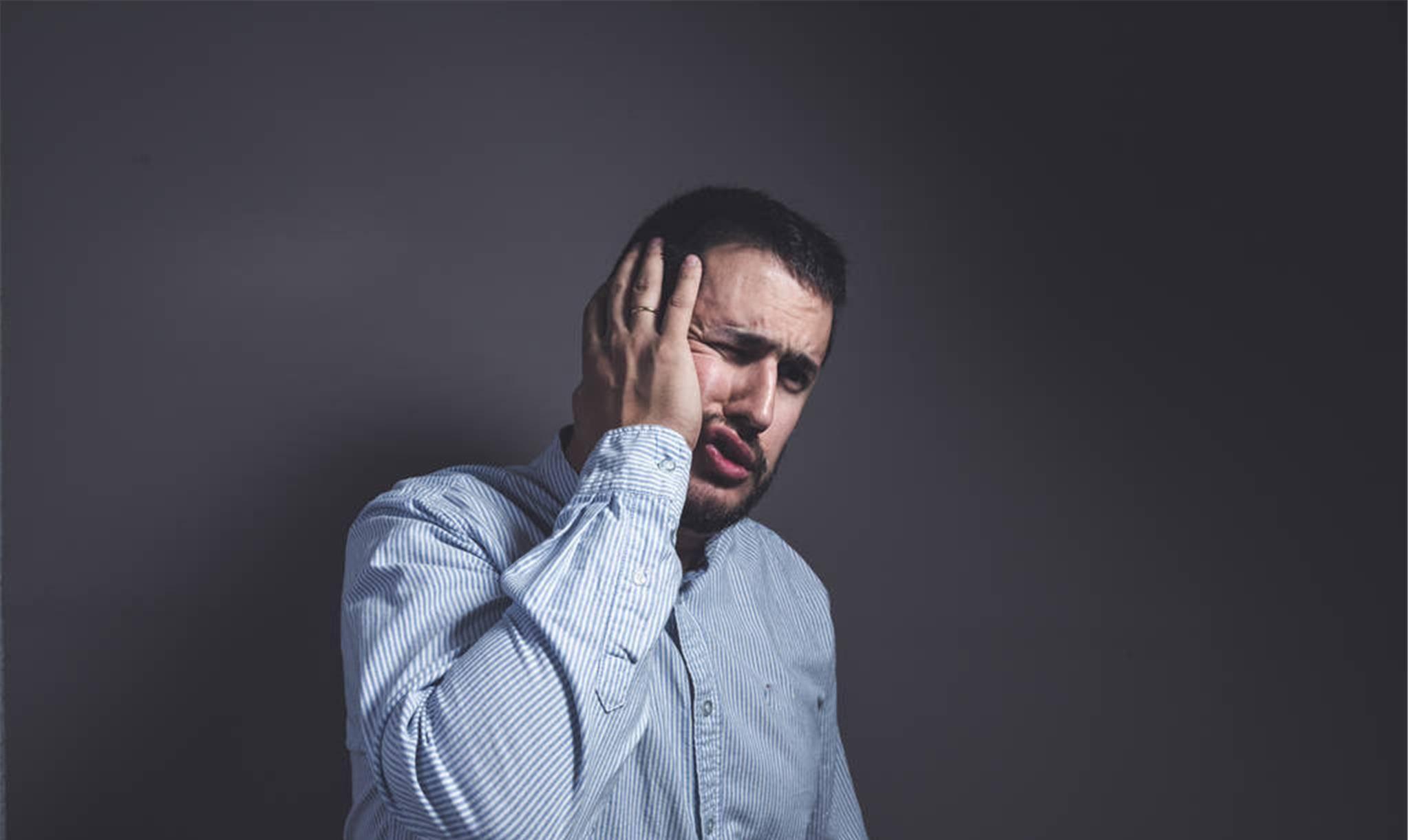 精神高度紧张怎么调理 人过度紧张有哪些表现
