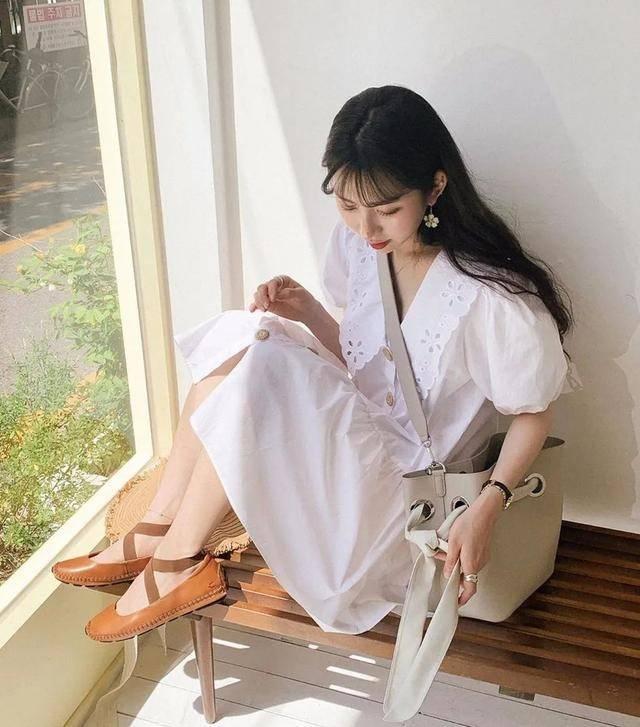 """【2021最新连衣裙平底鞋】今年流行""""连衣裙+平底鞋""""舒适又时髦"""