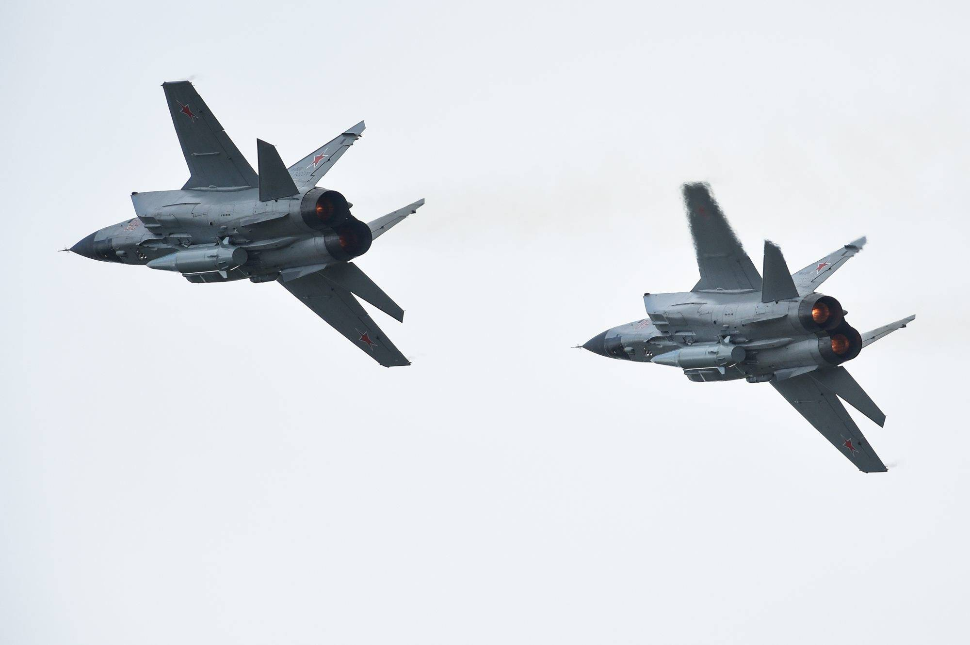 Pair of MIG-31K with Kh-47M2 Kinzhal missile