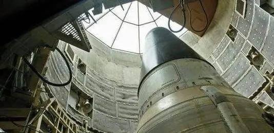 """警報突然響起,""""五枚核彈從美國升空"""",若不是他核大戰已經打響"""