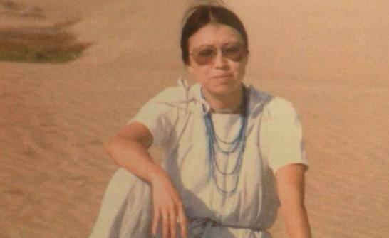 三毛自殺前,在成都街頭拍下照片,眼神哀傷,4月后在醫院上吊