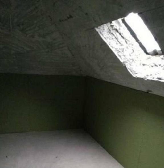 顶楼光线差怎么办?业主直接开了个天窗,邻居却说麻烦大了