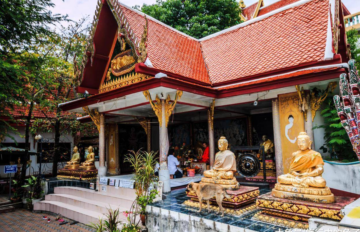 一国外寺庙,80米庙身居然盘着一条巨龙,来源成谜