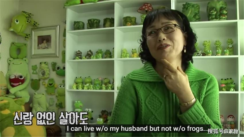 女子把租来的房子装成绿色王国,和2500只青蛙生活!房东:要命