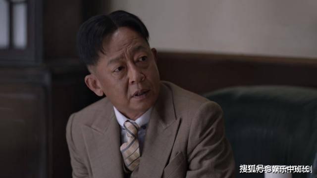 《叛逆者》王志文饰演的顾慎言,为保护情报服毒自尽,陈默群死在林楠笙抢下