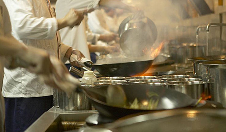 星级酒店厨房如何挑选专用的油烟净化器