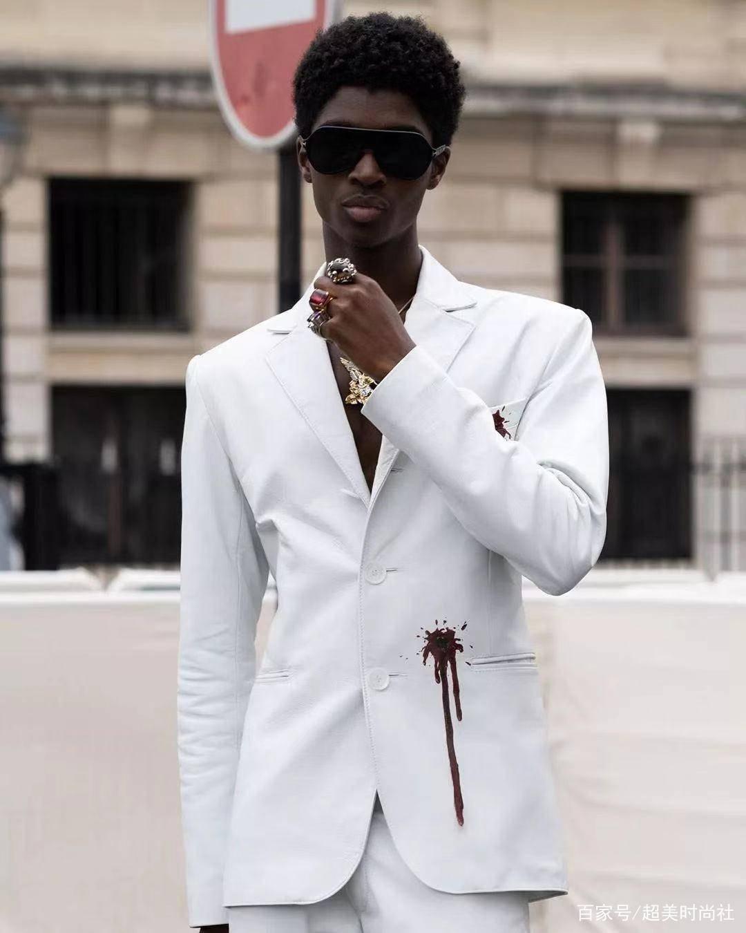 他是时尚圈最火的男模 这个名副其实的富二代 能红全靠硬捧?-家庭网