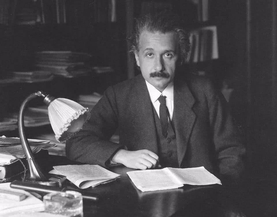 除了相对论,爱因斯坦的成就远比你想象的多得多