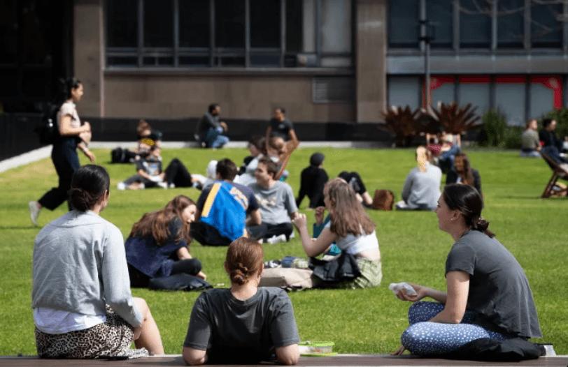 澳洲留学生好消息!这个签证官宣放宽,英文都不用!过半等待返澳学生,为中国留学生-异乡好居