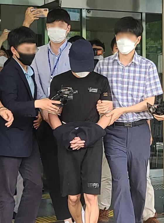 尸体藏匿于洗手间 韩国一男子性侵虐杀20月大女儿引气愤
