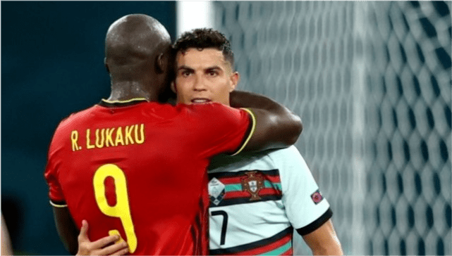 卢卡库:不要将我的名字和C罗相提并论 他是世界级前三的球员!