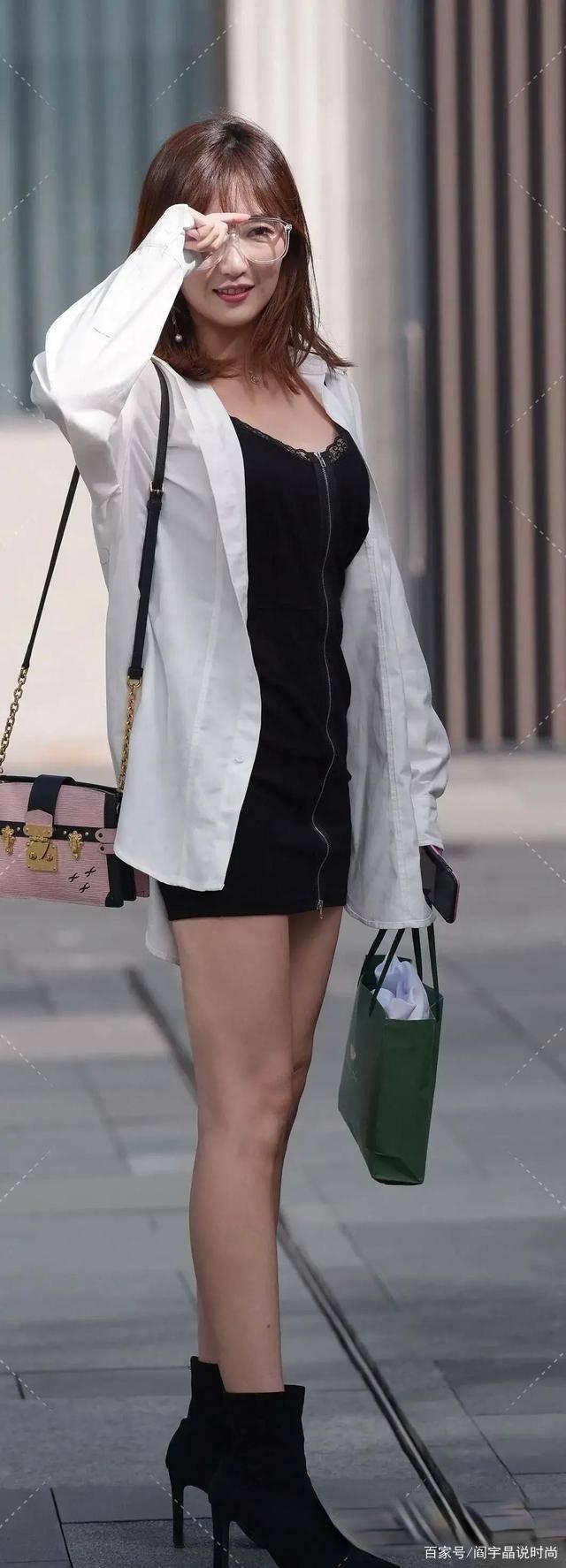 风格简约的连衣裙穿出优雅高贵的气质,勾勒出曼妙身材,青春阳光