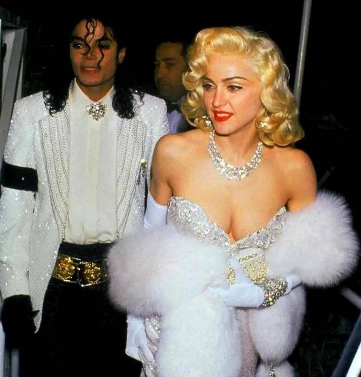 惊人的时间!有多少明星和迈克尔·杰克逊拍过照?图九是刘德华