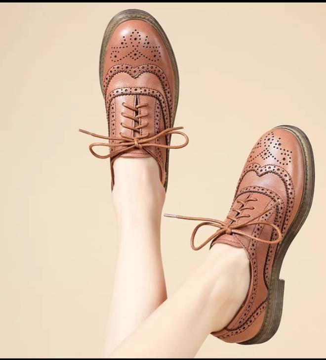 用一双德比鞋,搞定一周七天的时髦穿搭