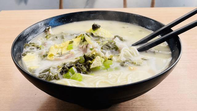 上海街头368元一碗的黄鱼面,没啥特色就是贵,想吃还得看运气