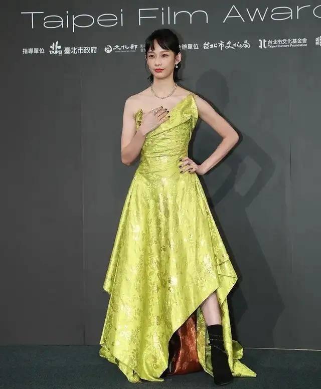 图片[6]-林心如变脸认不出,人均又土又俗,台北电影节红毯,把我丑笑了-妖次元