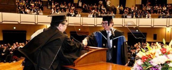 去日本读研究生几月申请比较合适