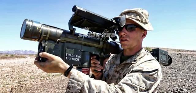 工程师发明2斤重小导弹,单兵可携带6枚,可实现发射后不管
