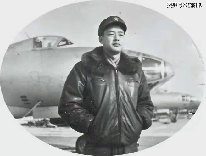 河南省商城高级中学 特级空军飞行员潘双陆的赤子情怀