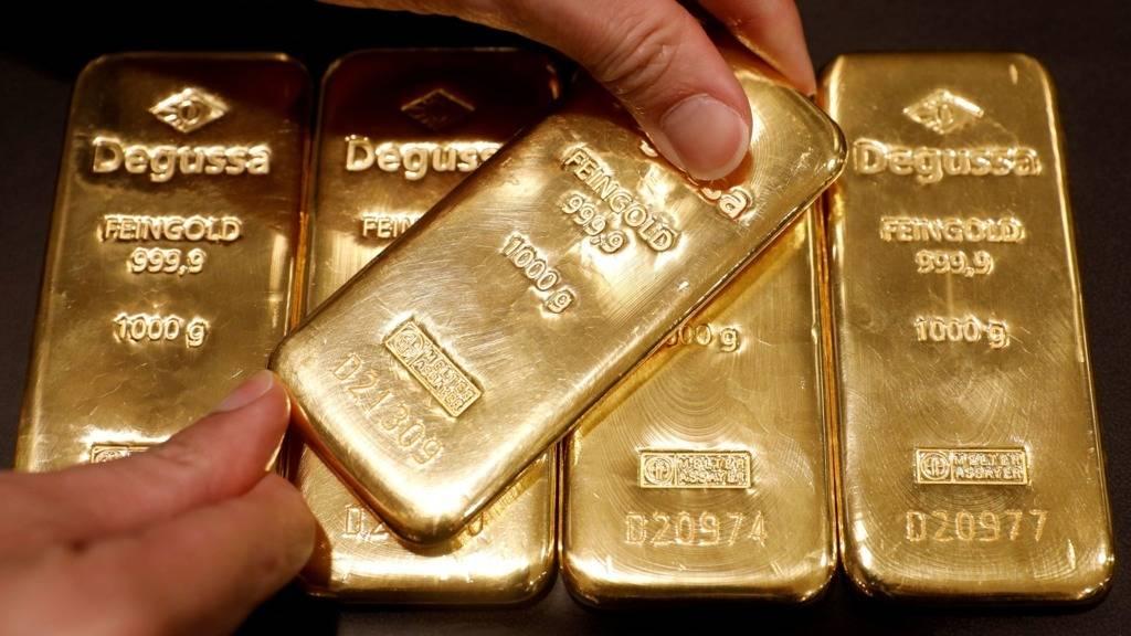 """国际黄金大跌,为何国内大妈不去""""抢购"""",主要有三个原因"""