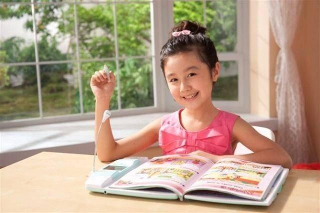 """点读机女孩""""是伪学霸?高考成绩公布后,难怪总说""""so easy"""""""