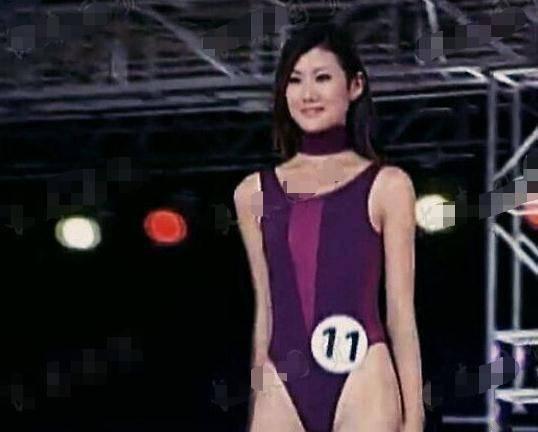 王宝强女友旧照穿泳衣秀身材,曾是世界小姐亚军,宝强好福气呀