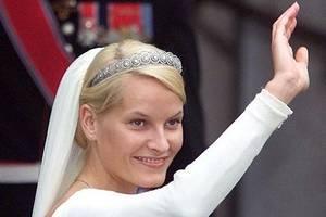 挪威王妃梅特瑪麗特:當過舞女,帶著私生子嫁給挪威王儲