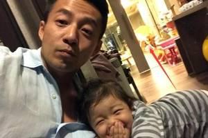 汪小菲晒女兒汪希玥,父女倆看得見摸不著,被網友吐槽又喝多了嗎