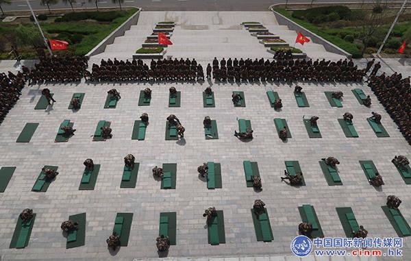武警辽宁总队新兵团第2大队严密组织叠内务比赛
