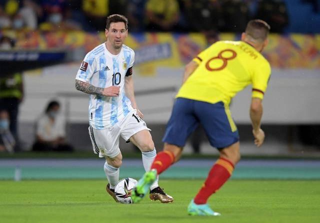世预赛-梅西哑火博尔哈绝平 阿根廷2-2哥伦比亚_KU游