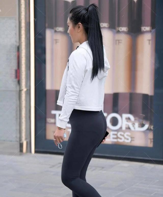 穿上貼身舒適的打底褲挺拔有魅力,穿出優雅浪漫的氣息,快來看看