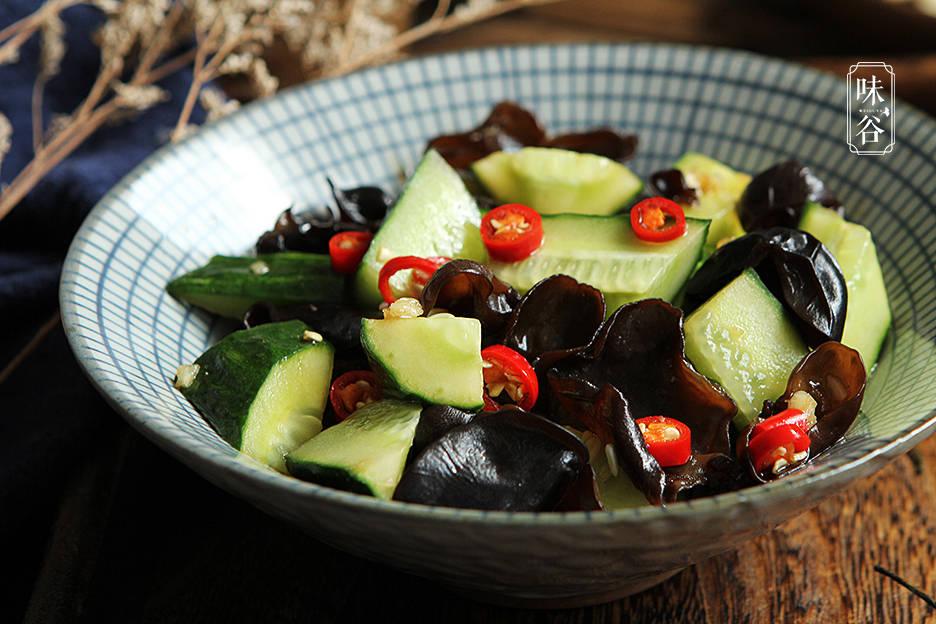 天热爱出汗,要多吃这6种食物,含钾丰富,营养解暑,精神过夏天