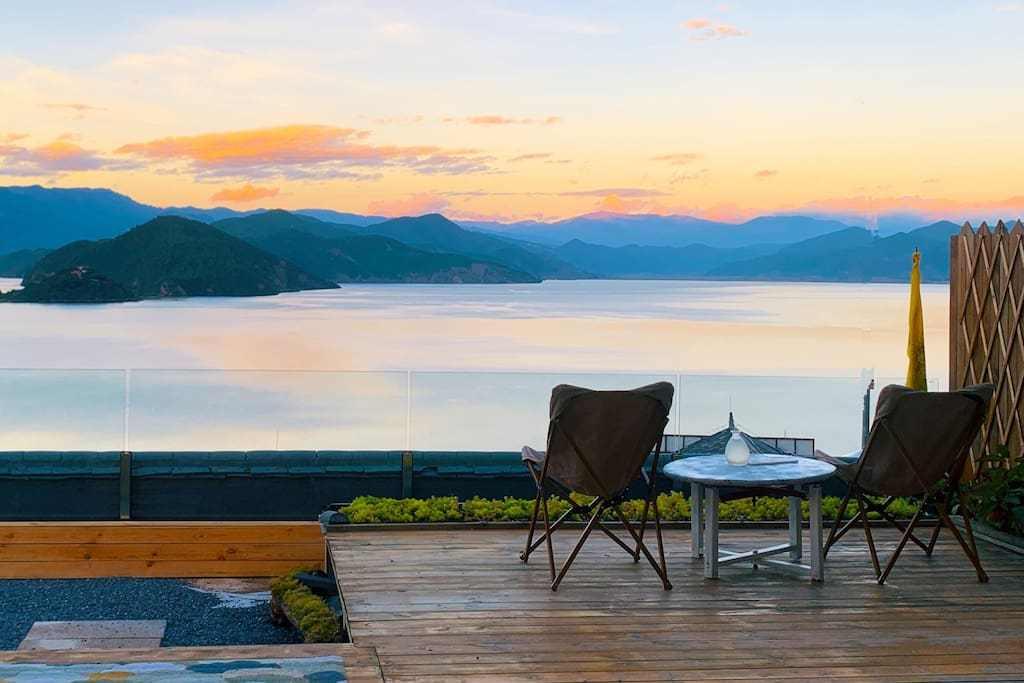 想找一家湖边民宿度假,它绝对值得一住
