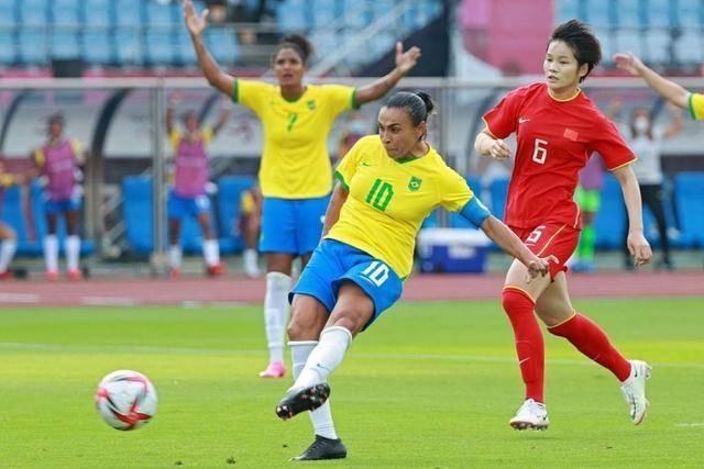 终于明白为什么中国女足奥运会惨败巴西,看完分析,豁然开朗你_娱乐游戏机平台