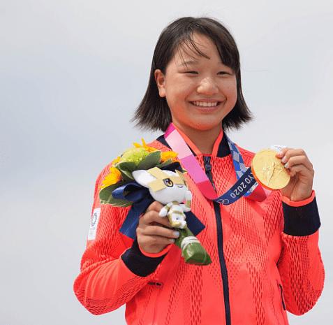日本13岁小将夺滑板金牌 创亚洲最年轻奥运冠军纪录