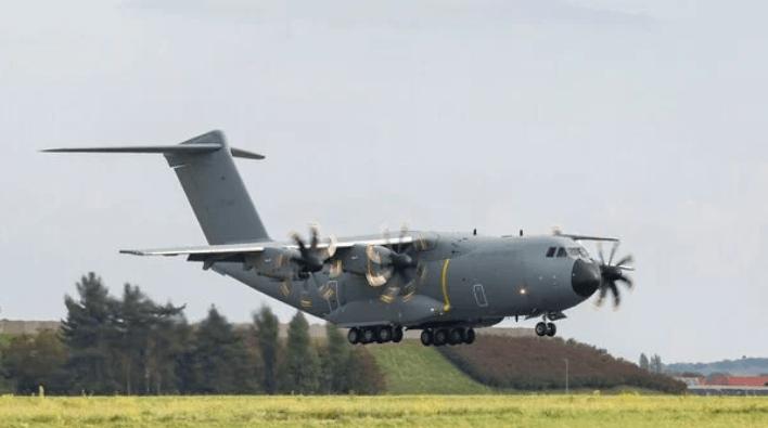 空中客车用最新的比利时空运机推进 A400M 交付