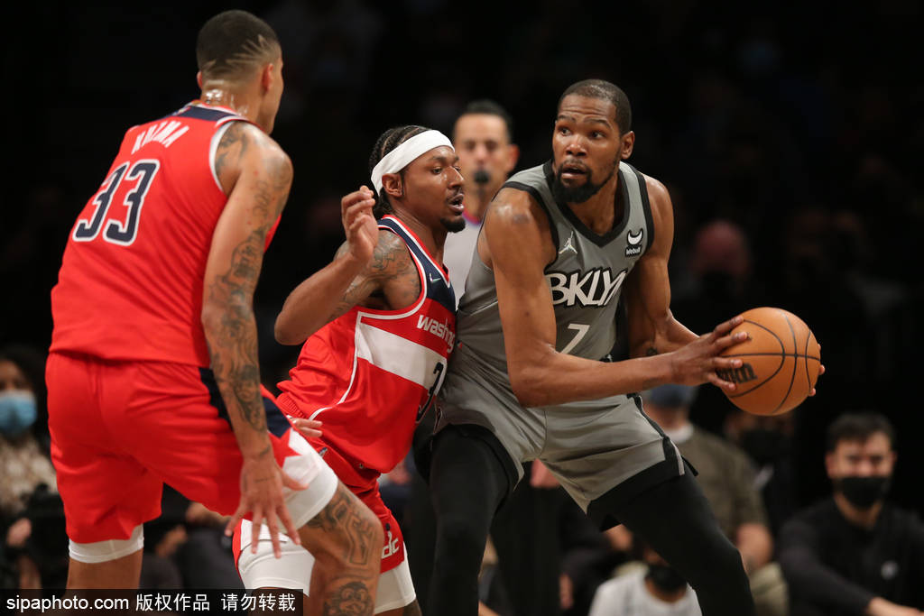 北京时间10月26日,2021-22赛季NBA常规赛继续进行