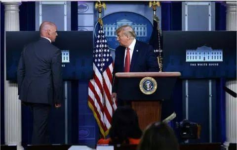 白宫外突发枪击案 特朗普:我看起来很紧张吗?我没有进地堡