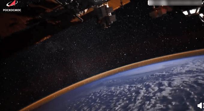 俄罗斯宇航员太空拍下北极光,画面令人惊叹!网友:镶了边的地球!