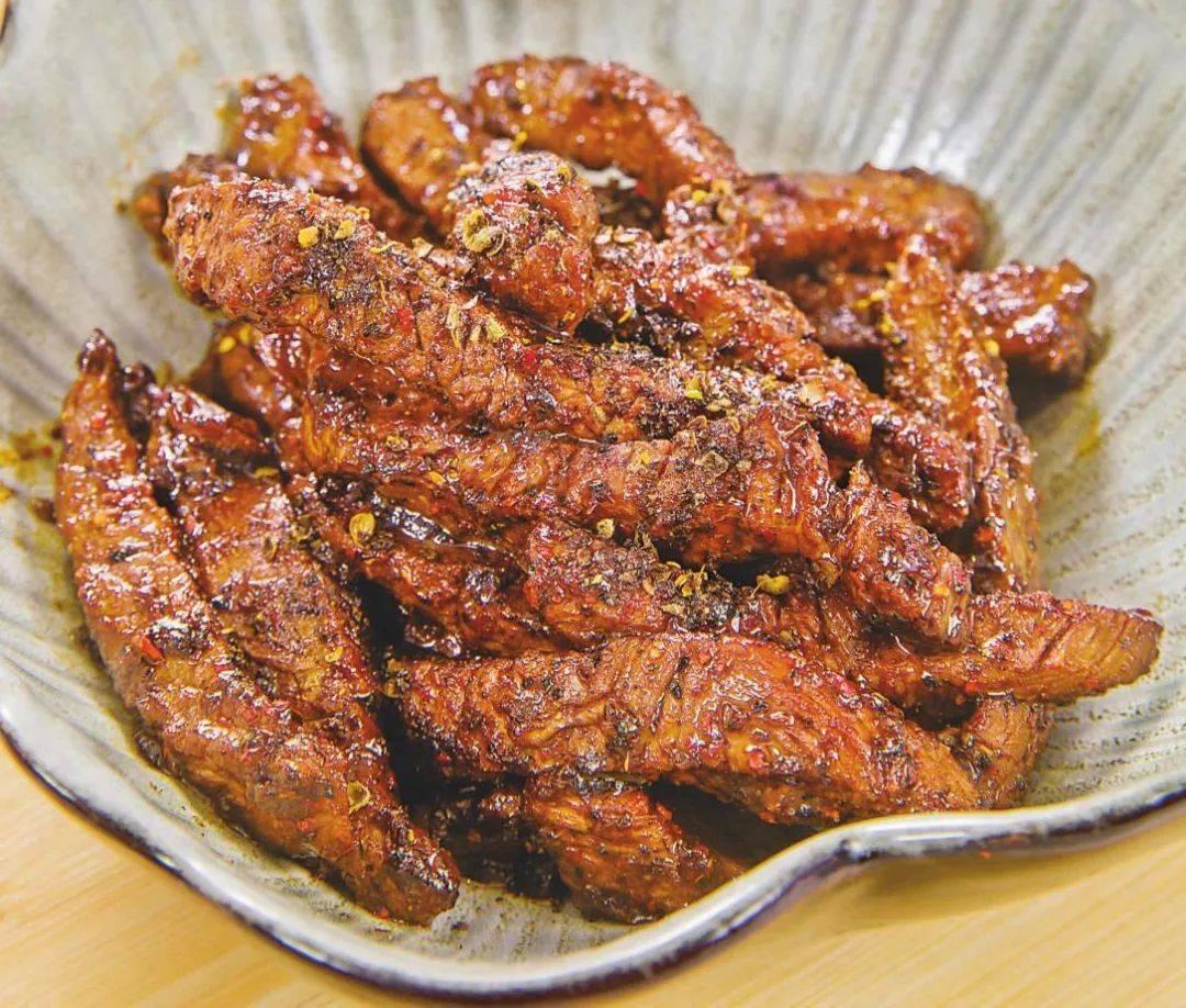 在家做牛肉干,用炒锅就可以,口感筋道,鲜香入味,跟买的一样好吃