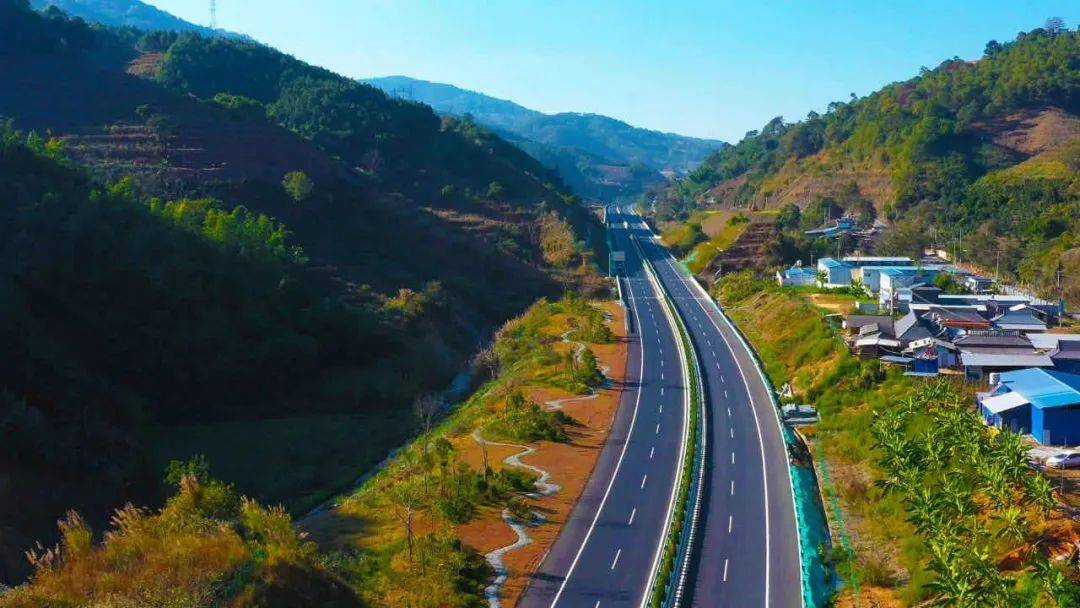 云南思澜高速建成通车,车程缩短至1.5小时!