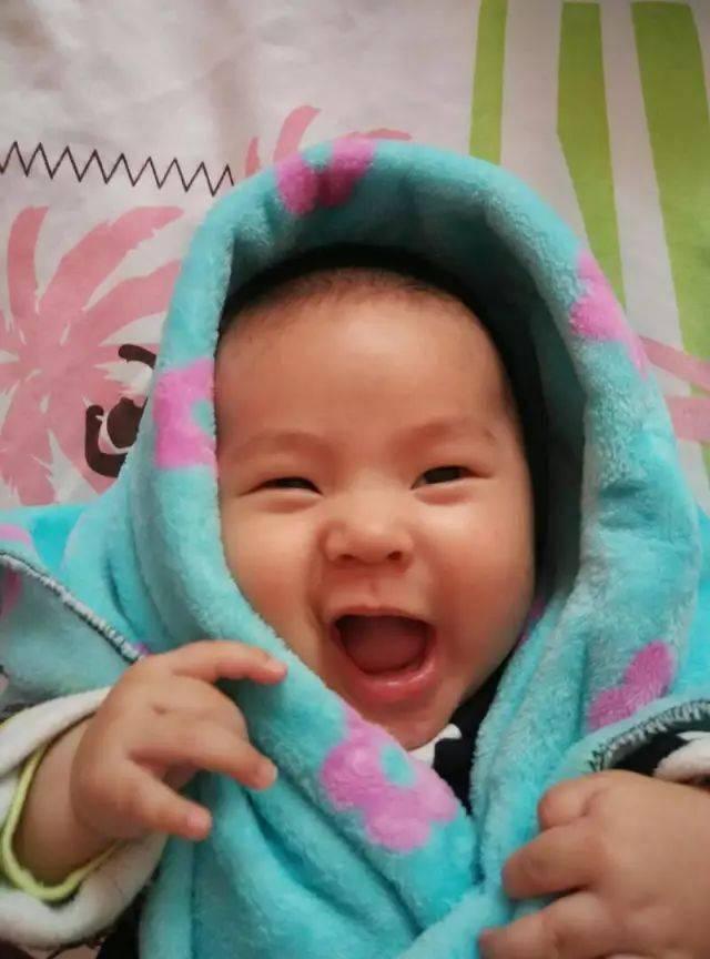"""揭开宝宝表情背后的秘密,才发现读懂""""婴语""""竟然如此容易!"""